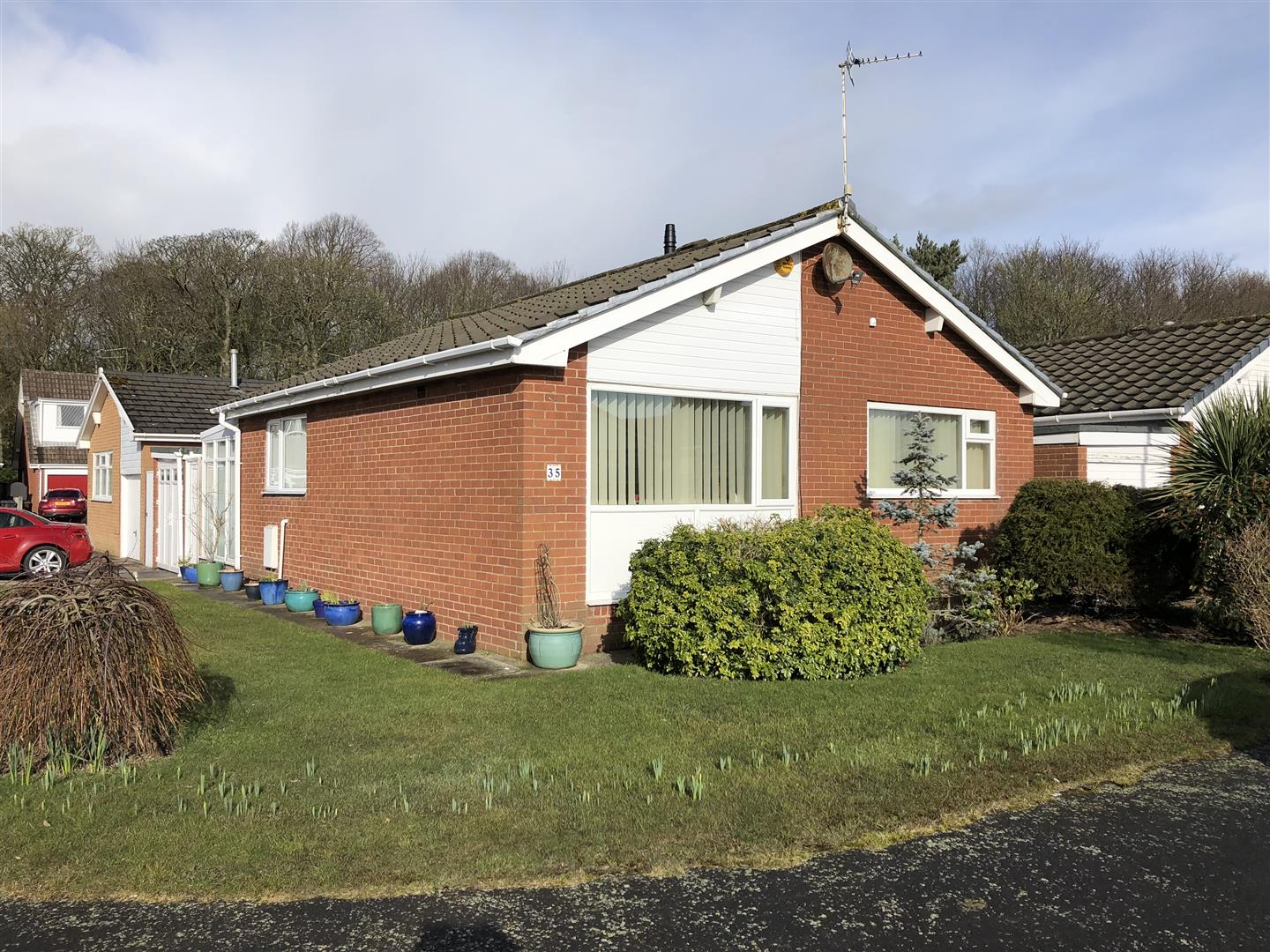 2 Bedrooms Detached Bungalow for sale in Reedy Acre Place, Lytham